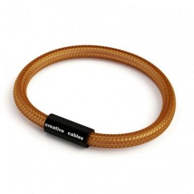 Braccialetto con chiusura magnetica nera opaca e cavo RM22