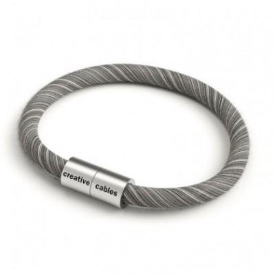 Bracelet avec fermoir magnétique argent mat et câble ERC37 (tissage en coton Gris et Blanc)